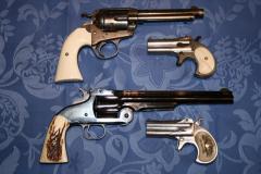 deux paires de revolvers